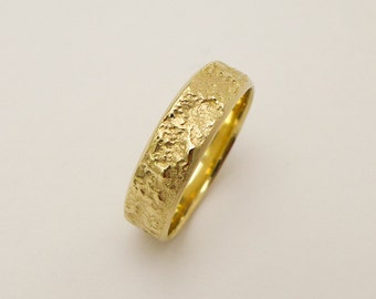 wide wedding band wedding ring men 14 karat gold ring tree bark wedding band rustic wedding band for men and women organic wedding ring - Gold Wedding Rings For Men