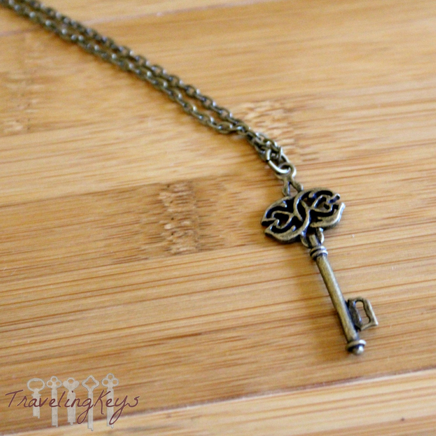 how to make a skeleton key necklace