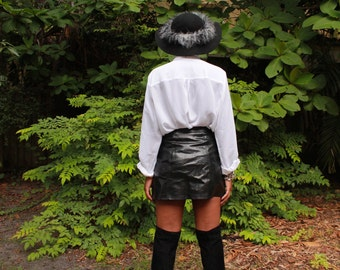 90's Vegan Leather Zipper Mini Skirt