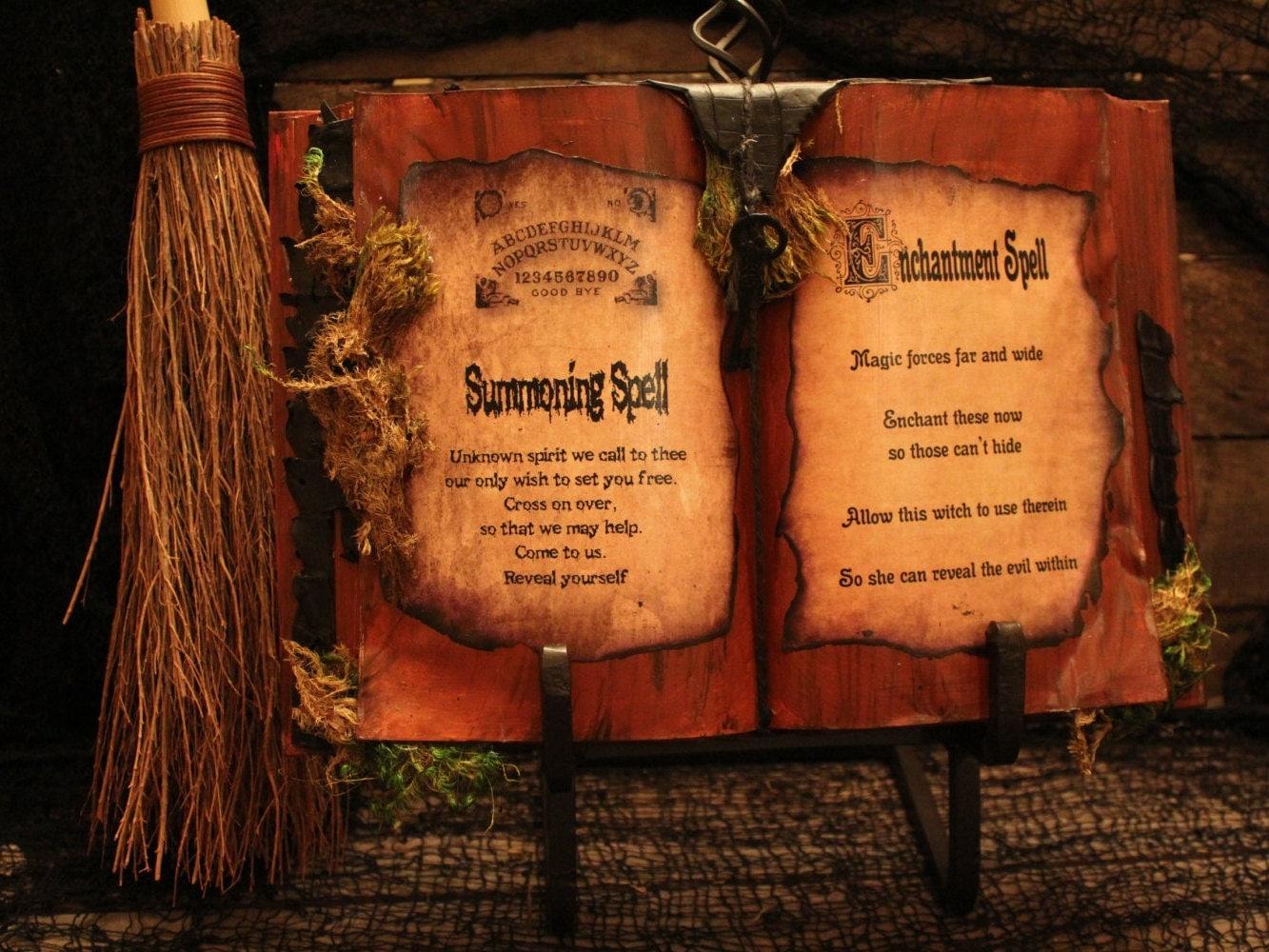spell books creepy halloween - photo #23