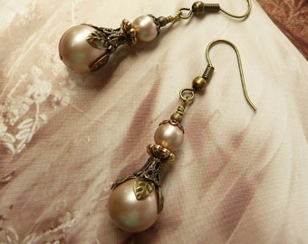 CHAMPAGNE SWAROVSKI PEARL Earrings Gold Antique Taupe Cream Ivory Coffee Drop Vintage lace brass jewellery victorian jewelry wedding bridal