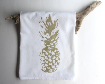 White and Gold Pineapple Dish Towels / Pineapple Tea Towels / Beach Cottage Decor / Hostess Gift
