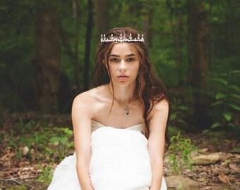 White Pearl Tiara, Crystal Tiara, Renaissance Bride, Medieval Tiara, Handfasting, Pagan Festival, Ren Faire Wedding, Bridal, Aurora Tiara