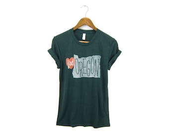 J'Adoregon Tee - Boyfriend Fit Crew Neck Tshirt with Rolled Cuffs in Heather Emerald Green & Red Heart - Women's Size S-4XL Q