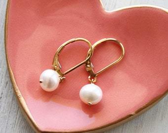 Classic Pearl Earrings, Pearl Gold Earrings, Pearl Drop Leverback Earwire, Freshwater Pearl Dangle, Everyday Pearl Jewelry, June Birthstone