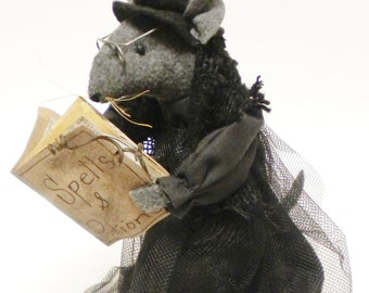 Witch Mouse - Made To Order, Primitive Halloween Mice, Mouse Witch Doll