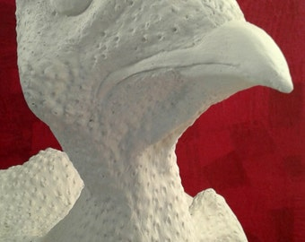 White chicken sculpture to decorate / White chicken sculpture to decorate