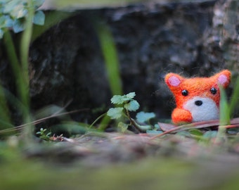 Needle Felted Fox, Wool Felt Animal, Fox Miniature, Fox Soft Sculpture, Fox Plush, Needle Felted Animal, Woodland, Eco Friendly Fox
