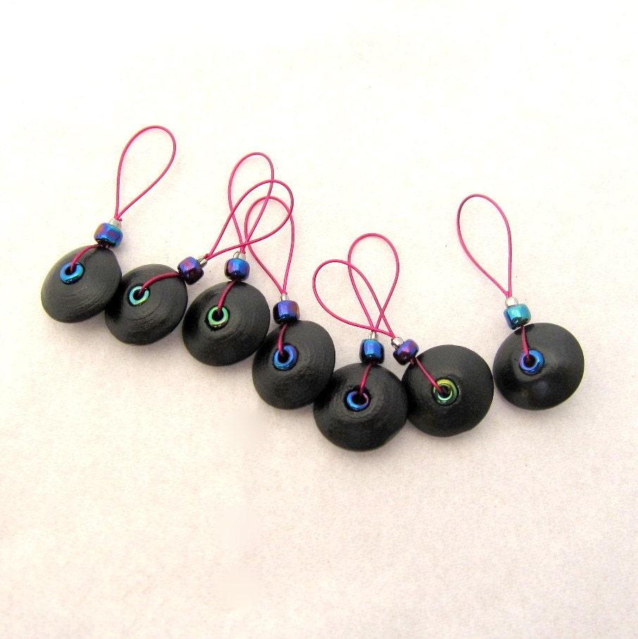 Knitting Markers Beads : Wood bead knitting stitch markers set of black