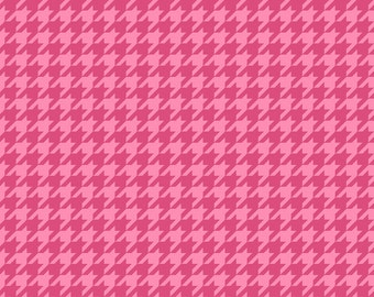 Merry and Bright Pink Houndstooth fabric
