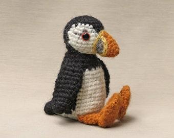 Amigurumi crochet puffin pattern