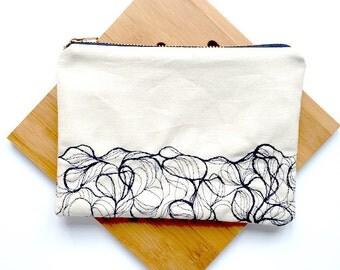 White medium zipper pouch, wave embroidery pattern, medium purse