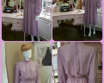 Beautiful Vintage Dress Lilac Mauve size 10-12