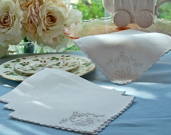 Set of 4 Cotton Napkins with Butterfly Embroidery