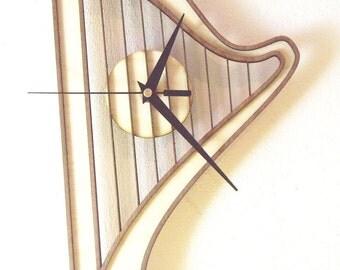 "Wooden wall clock ""HARP 2"""