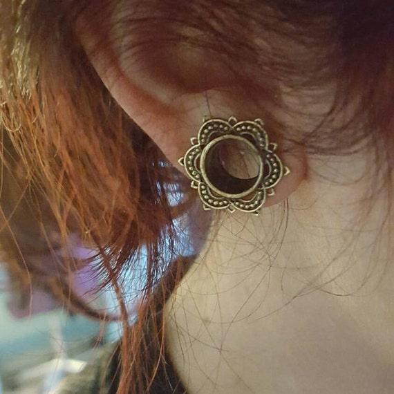 "Brass lotus ear tunnel 4mm-18mm 6g 2g 0g 00g 000g 9/16"" 5/8"" 11/16"". lotus plug. plugs gauges. ear gauges. ear tunnels.tribal plugs. p1"