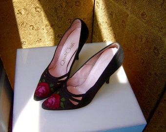 "Vintage 60's Black Silk With Red Rose 3"" Heel Quali Craft Sml 4B"