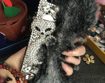 New Luxury Bling Gray Soft Fluffy Fur Furry Silver Fox Sparkles Crystals Rhinestones Diamond Fashion Lovely Hard Cover Case for Mobile Phone