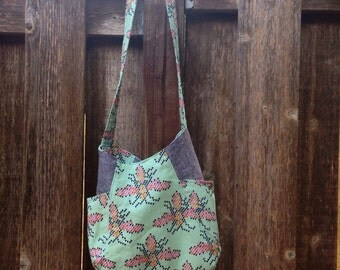 Bee 241 Tote
