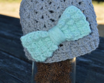 crochet shell beanie with puffy bow
