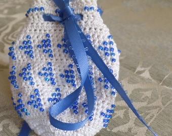 Beaded, crocheted amulet bag