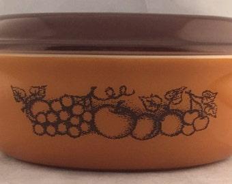 Vintage brown Pyrex baking dish