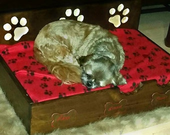 "Elevated Pet Bed with 3"" foam mattress"