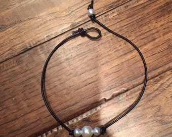 3 single pearl choker / necklace