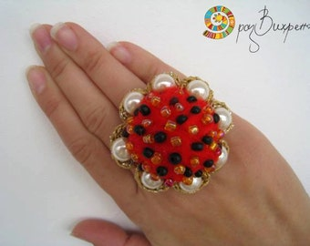 """Embroidered felt """"berry"""" ring, Crocheted embroidered felt ring, Red berry felted ring,Red crocheted ring with pearls"""