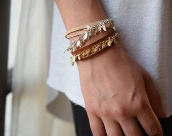 Leaf chain leather bracelet, leather wrap bracelet, leather and chain bracelet, charm bracelet, leaf chain bracelet