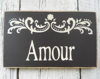 Amour Sign