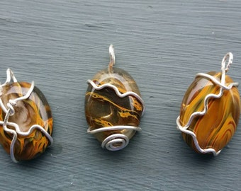 Cherry quartz swirled  pendant