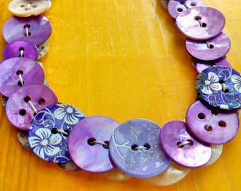 Mother of Pearl buttons necklace # UltraViolet # Mother of Pearl Buttons Necklace