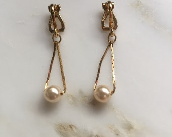 Vintage Napier gold tone and pearl earrings