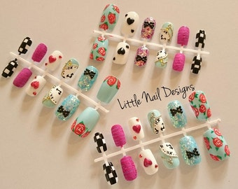 Alice In Wonderland hand painted False Nail set of 12