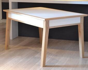 Table YVONNE
