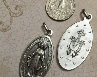 Oval Miraculous Medal Pendant Our Lady of Grace Virgin Mary Blessed Mother  Medal Catholic Jewelry Made in Italy
