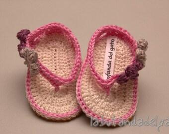 Cute crochet baby flip flops