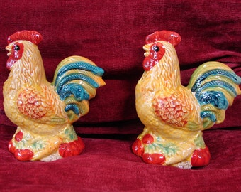 Roosters, Rooster Salt and Pepper Shakers, Hand Painted, Glazed Ceramic, Farm, Rooster, S&P, Barnyard