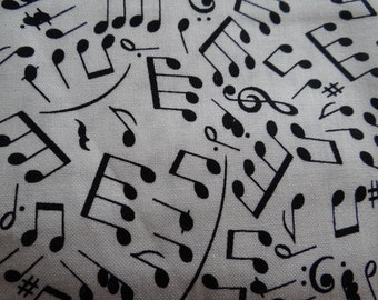 MUSICAL NOTES BANDANA