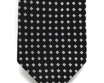 Mens Black and Silver Boxed Silk Tie
