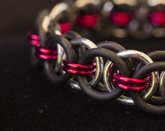 Red Stretch Chainmaille Bracelet - Helm Chain