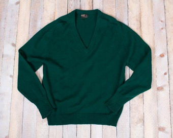 Vintage green v neck pullover sweater