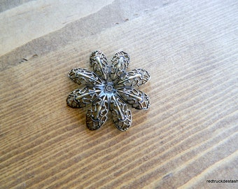 Trinity-Brass-Filigree-Flower
