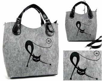 Felt bag with one cat