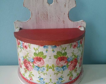 Vintage  wooden salt box with lid and decoupaged roses red and white