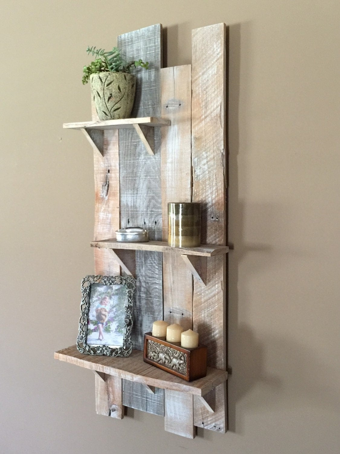 Barn wood wall shelf distressed white antique finish - Etageres murales bois ...