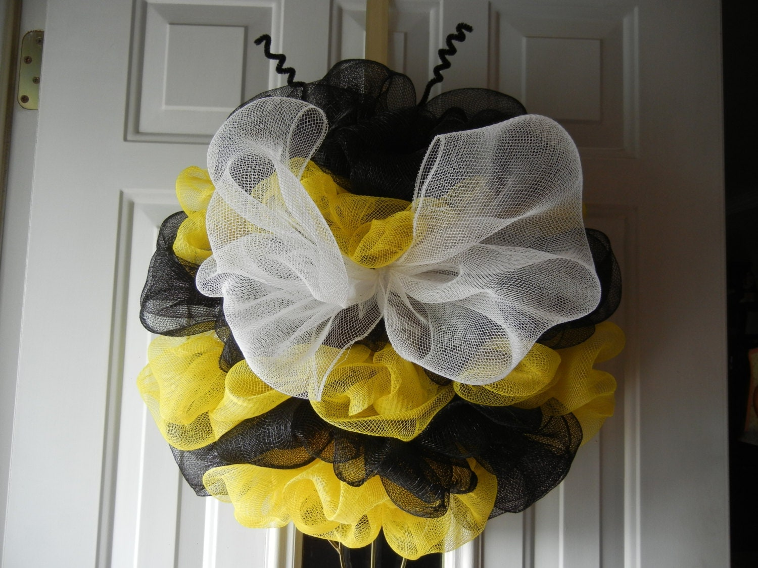 Bumble bee deco mesh wreath bumble bee wreath for Bee decorations for the home