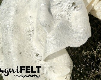 SPECIAL PRICE! White felted scarf. Felted  wool scarf. Womens scarves in handmade. Wool scarf. Fashion scarves.  Merino wool