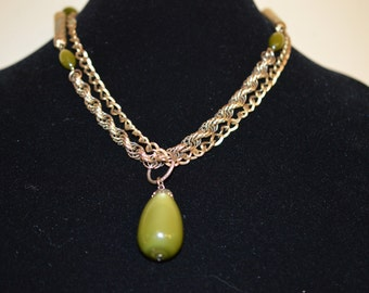Vintage double chain olive green lucite pendant necklace
